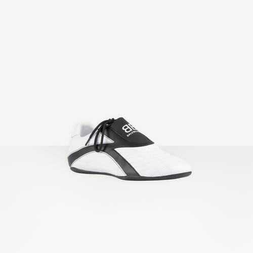 zen sneaker