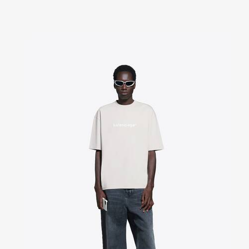 camiseta de ajuste mediano new copyright