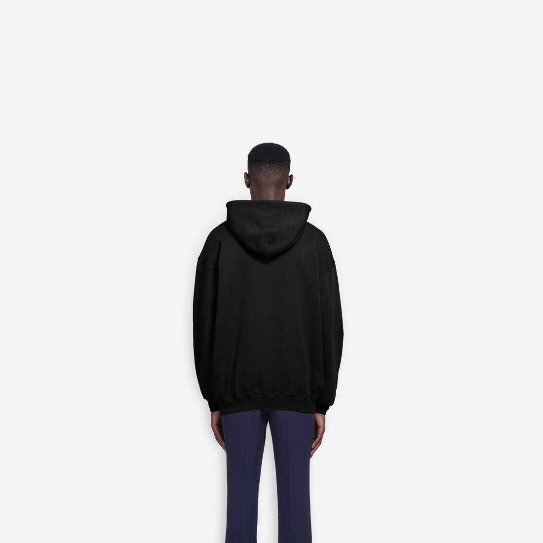 Display zoomed version of bb hoodie 4