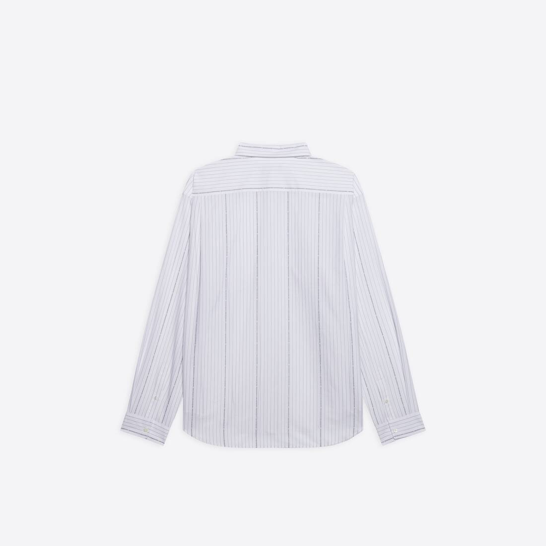 Display zoomed version of large fit shirt  2