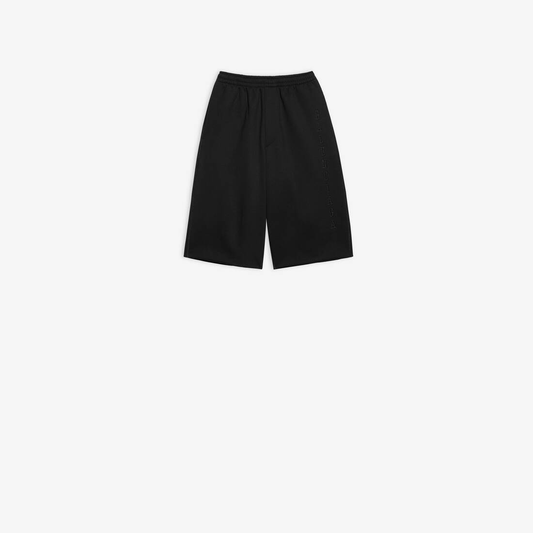 Display zoomed version of oversize shorts 1