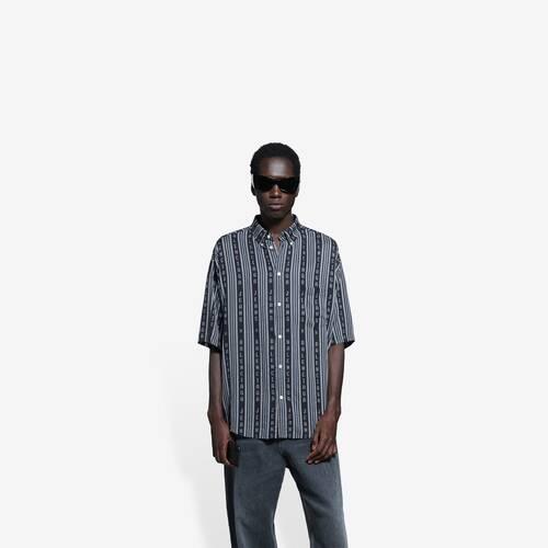large fit short sleeve shirt