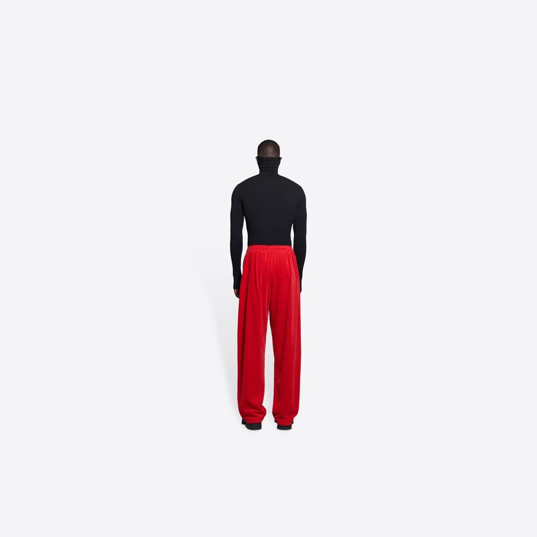 Display zoomed version of tracksuit pants 5