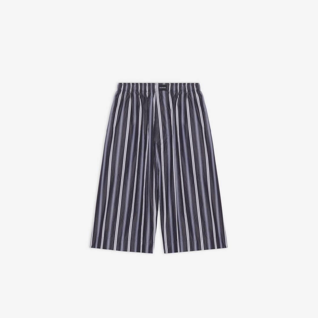 Display zoomed version of pajama shorts 1
