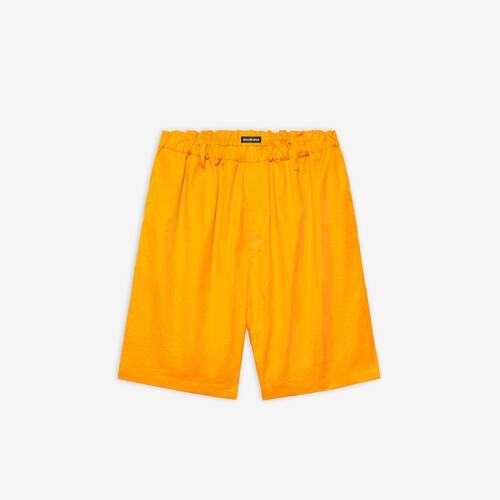 pantalón corto sobredimensionado