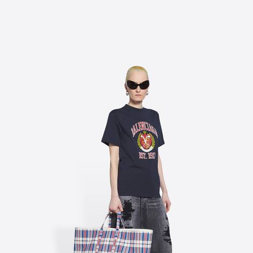 college small fit t-shirt