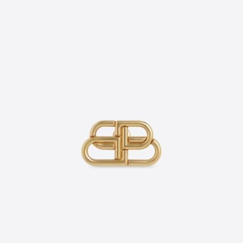 bb brooch