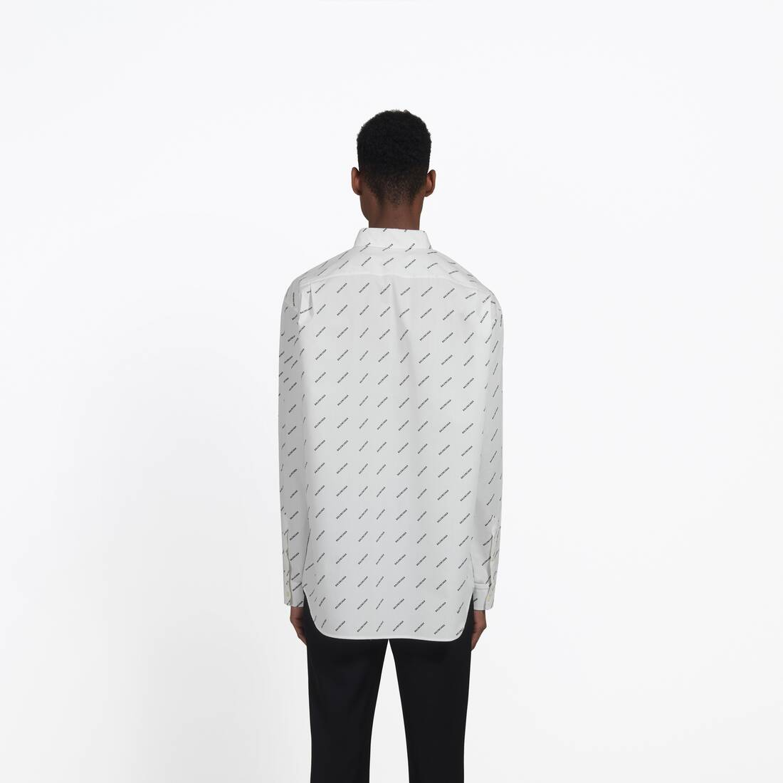 Display zoomed version of normal fit shirt 7