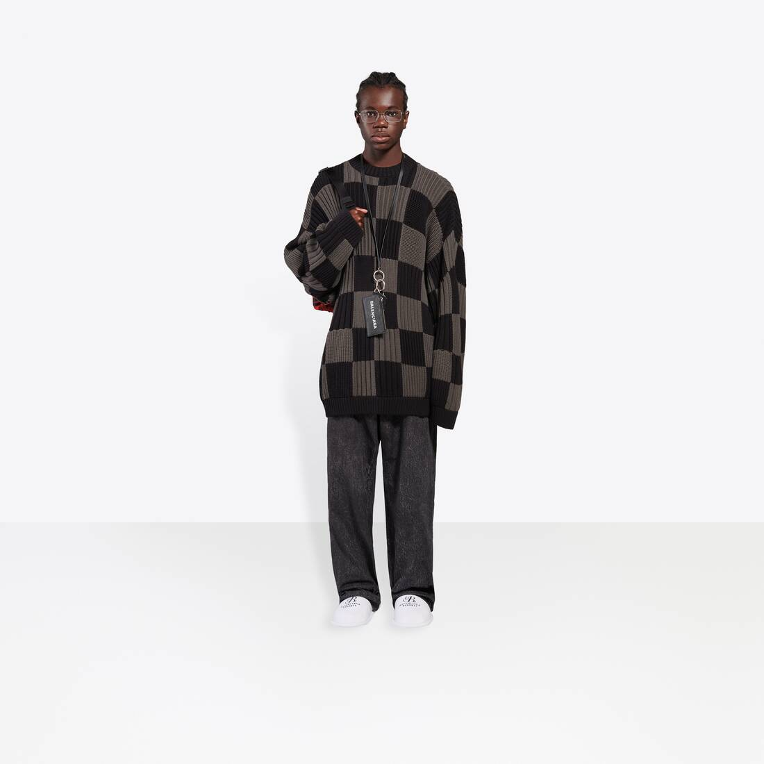 Display zoomed version of checkered crewneck 3