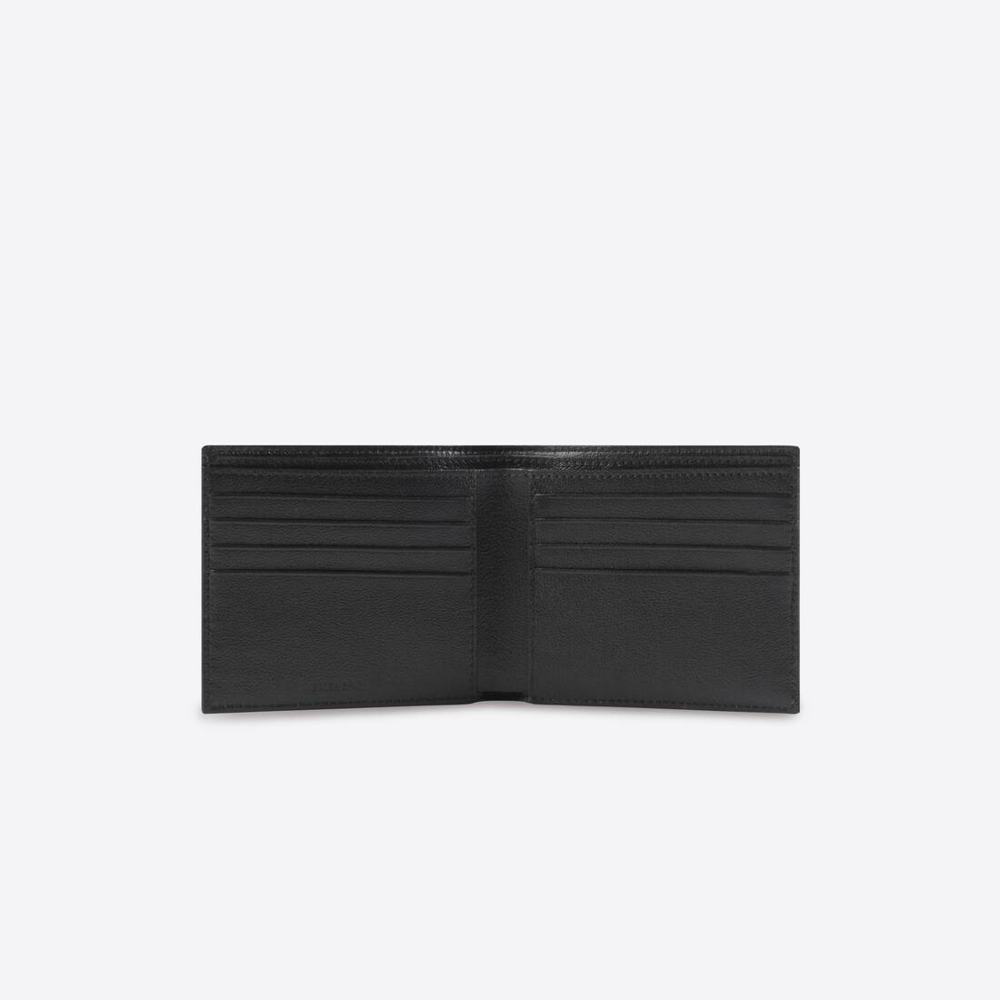Display zoomed version of cash square folded wallet 3