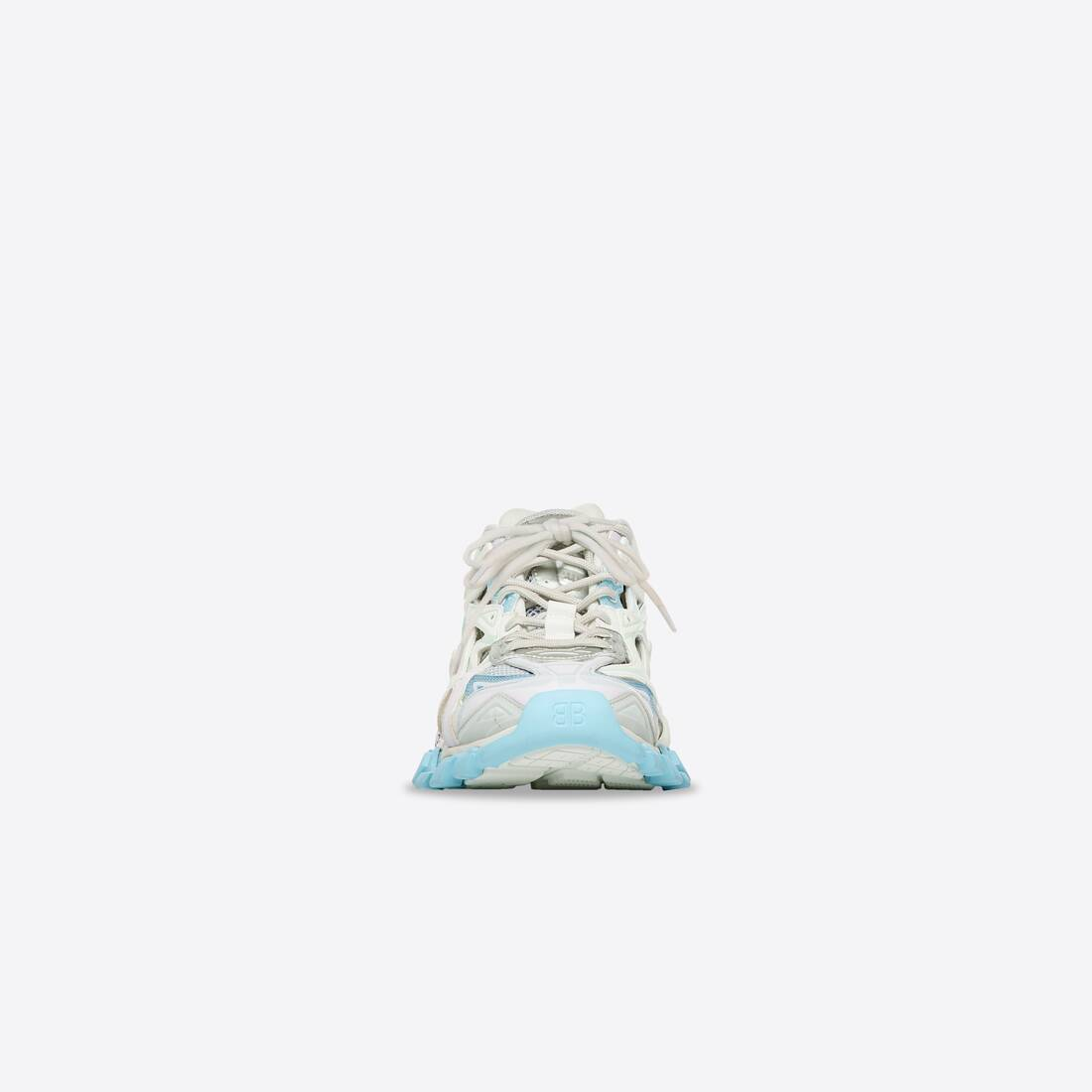 Display zoomed version of track.2 sneaker 3