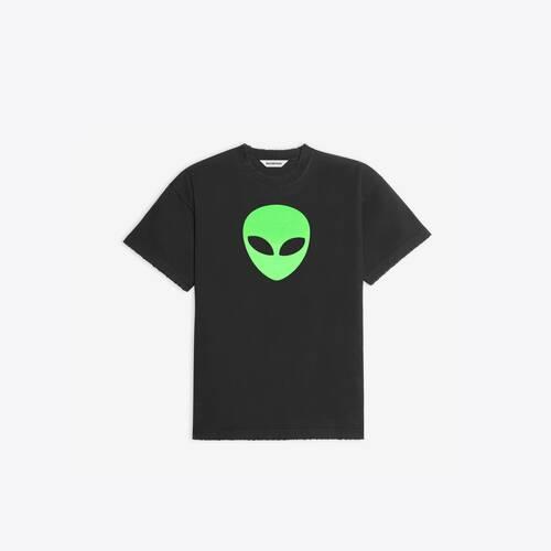 alien medium fit t-shirt