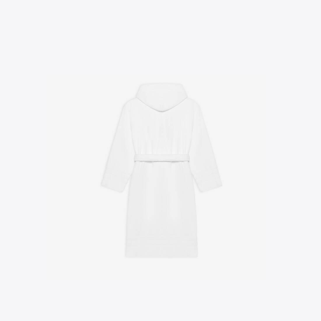 Display zoomed version of towel resorts coat 2