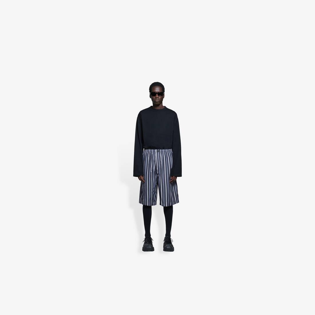 Display zoomed version of pajama shorts 3